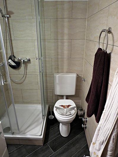 Kleines Bad in der Studentenwohnung